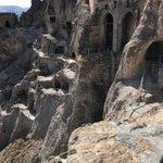Vardzia, un extraordinaire site troglodyte dans le sud de la Géorgie, non loin de la frontière avec la Turquie.