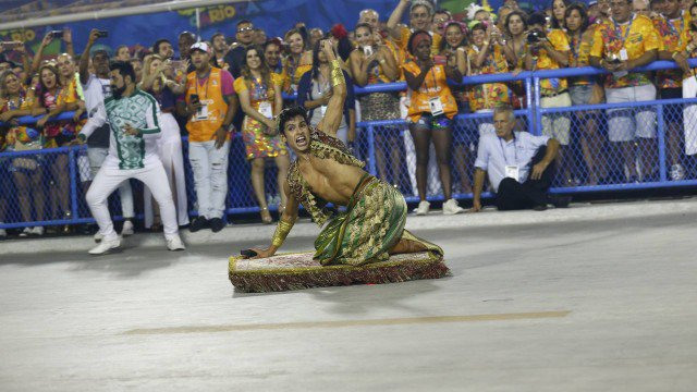 Liesa bate o martelo, e Mocidade divide título do carnaval com a Portela. https://t.co/1jjNFKwQdO