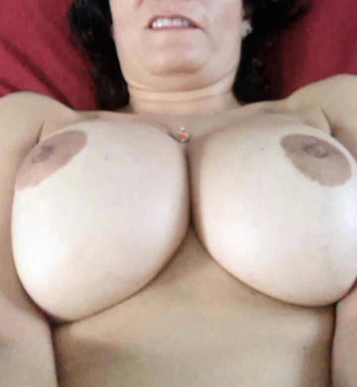 Nude Selfie 10998