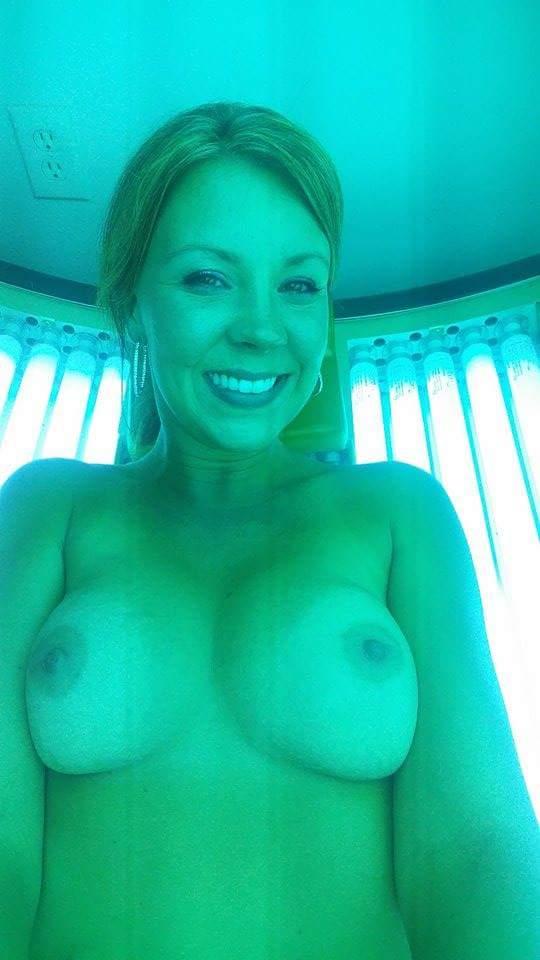 Nude Selfie 11031