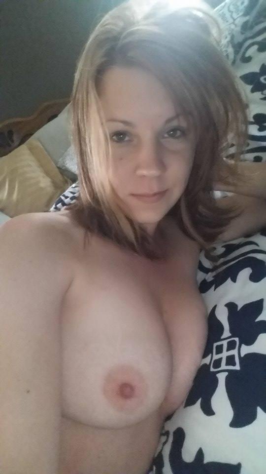 Nude Selfie 11032