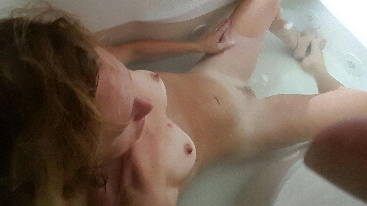 Nude Selfie 11038