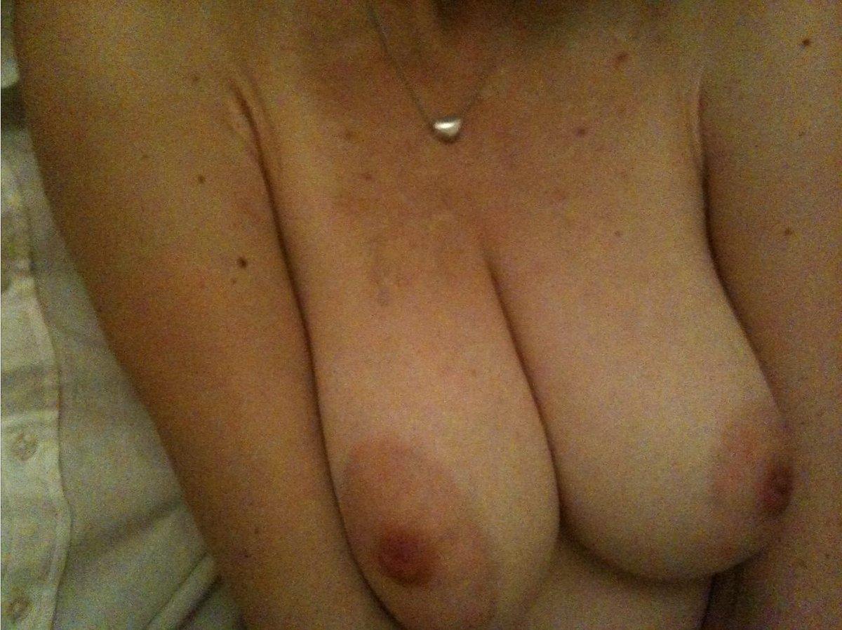 Nude Selfie 11042