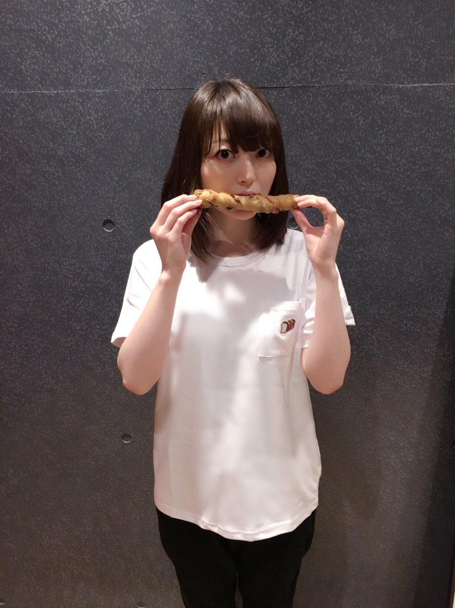 パンとの相性抜群です。ポッケの刺繍の食パンの焼き色最高!!!!\(☆o☆)/花 pic.twitter.com/GnnxFTXMyP