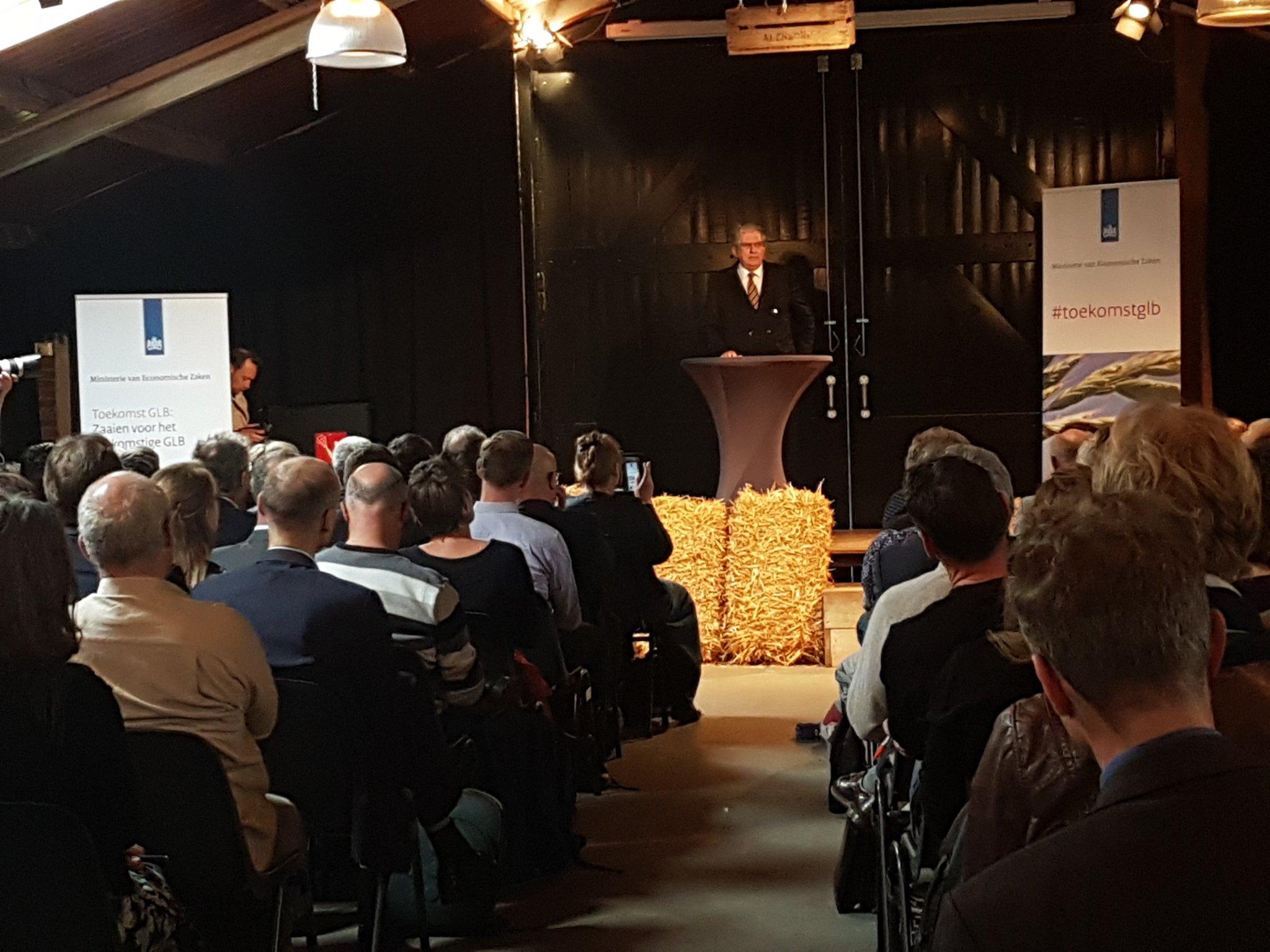 Cees Veerman zelf aan het woord. Over zijn visie op het GLB en de positie van boeren.  #ToekomstGlb #YFMA https://t.co/rpGaMzmVun
