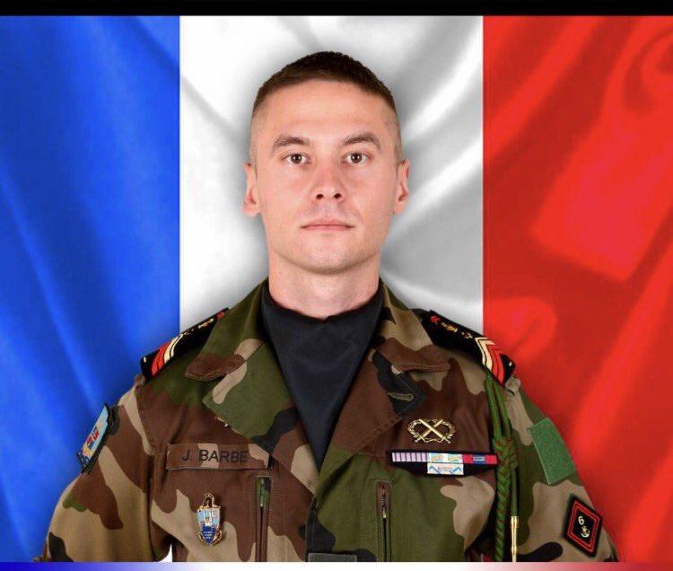 Il s'appelait #Julien Barbé, il combattait le terrorisme au #Mali. Mes pensées pour sa famille et ses proches. Merci