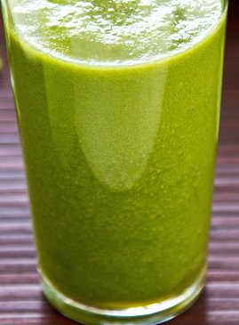 Cinnamon Apple Green Smoothie