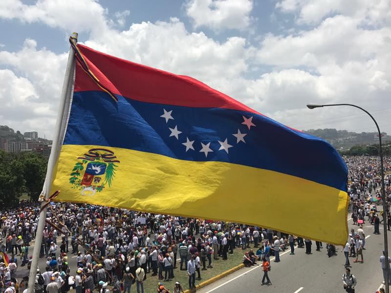 Resultado de imagen para venezuela al reves