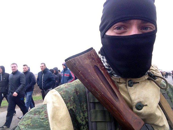 L'invasion Russe en Ukraine - Page 5 C8voxdSWsAUapXH
