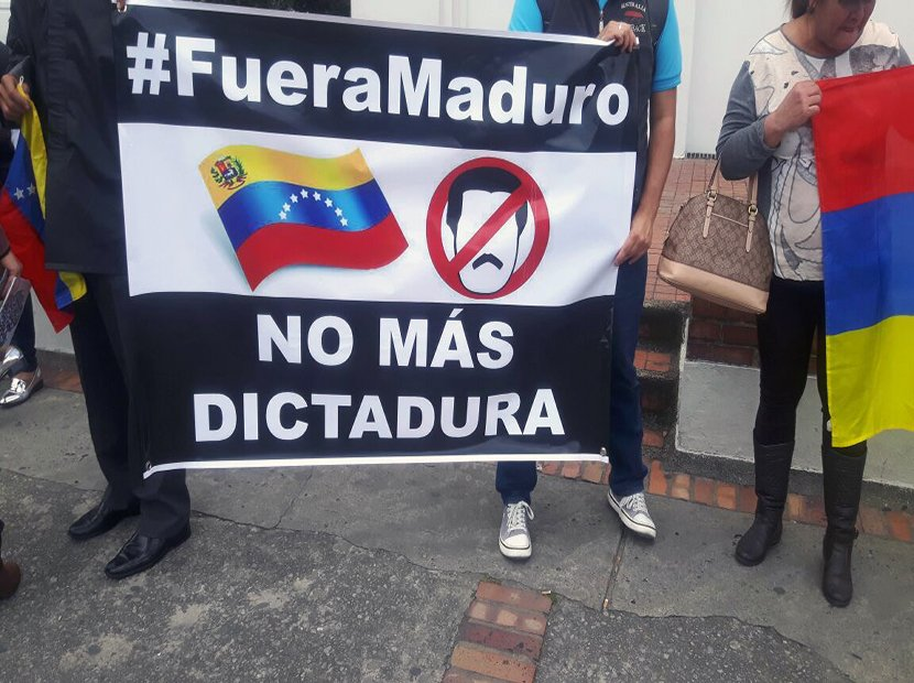 Venezuelans marched in Colombia, demanding Maduro to resign