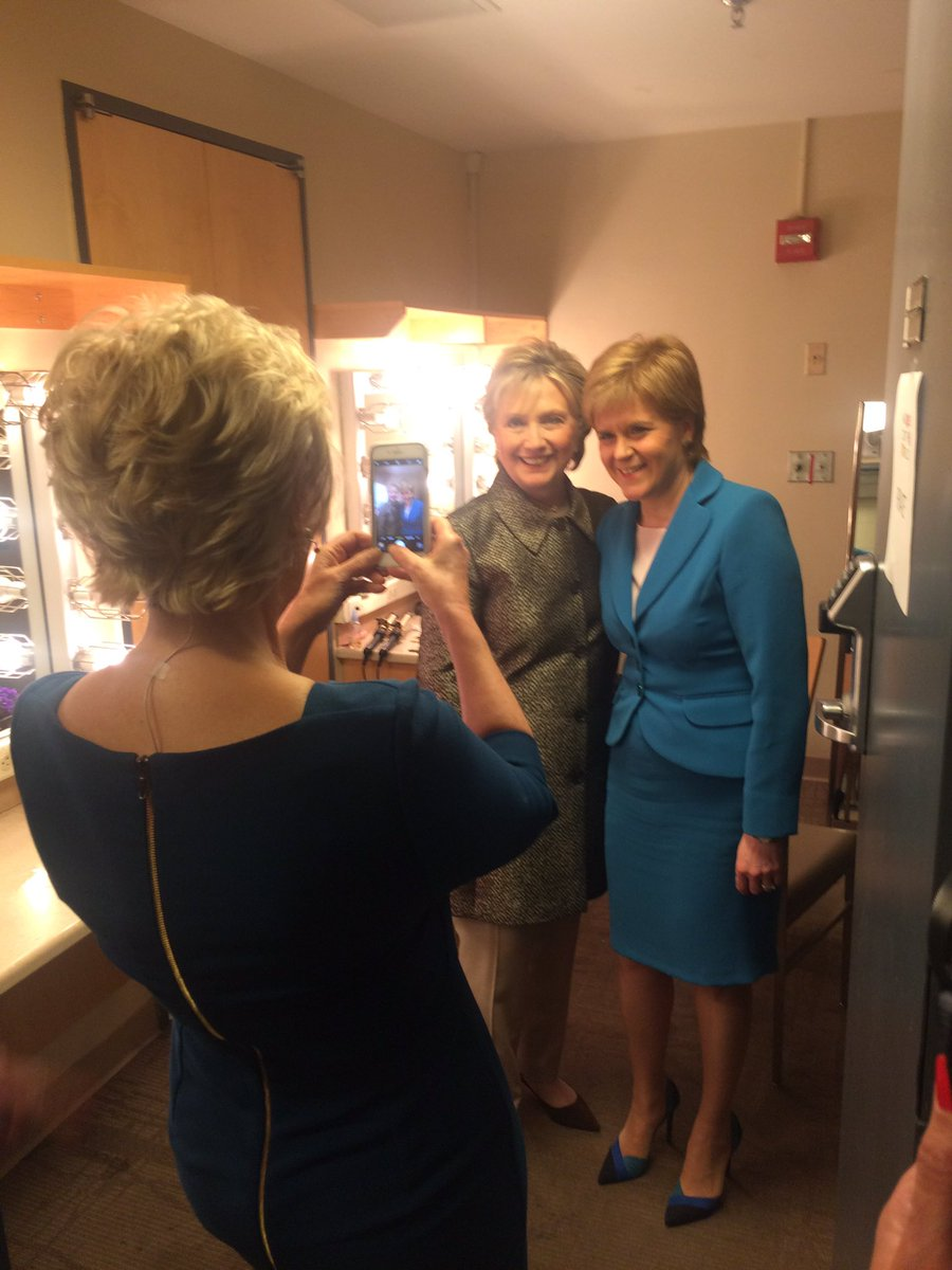 Snapshot of a real power couple! With @NicolaSturgeon and @HillaryClinton #WITW https://t.co/NqnDJtxylq
