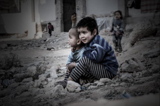 Não se combate a guerra com mais guerra. Não é  insanidade. É covardia, ganância, maldade. Os senhores da guerra retomam os negócios.