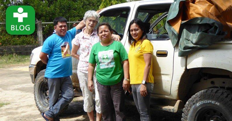 Wiederholungstäterin auf Rolling Clinic-Tour. Dr. Helga Lenschow berichtet von ihrem Hilfseinsatz auf #Mindanao: https://t.co/Mh5eQBRJxi https://t.co/HFy4wvJMlk