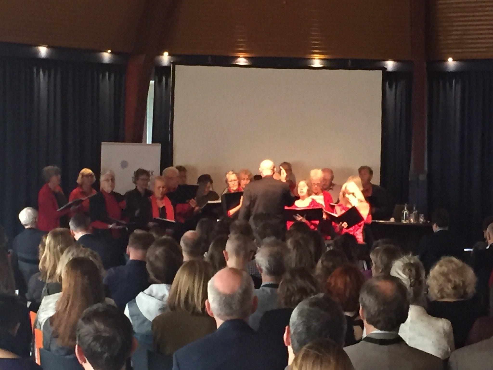 #optreden van de #volksstem uit #groningen - zelden was een bijdrage aan een #symposium zo #welluidend #17WDE - goede keus @StichtingDEN! https://t.co/5oBJutIliZ