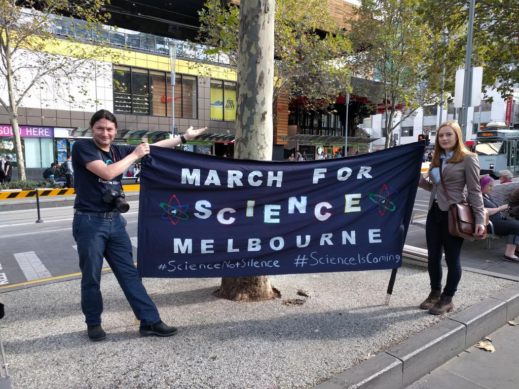 Crowds building at #MarchForScience #Melbourne https://t.co/JI7ineYE2W
