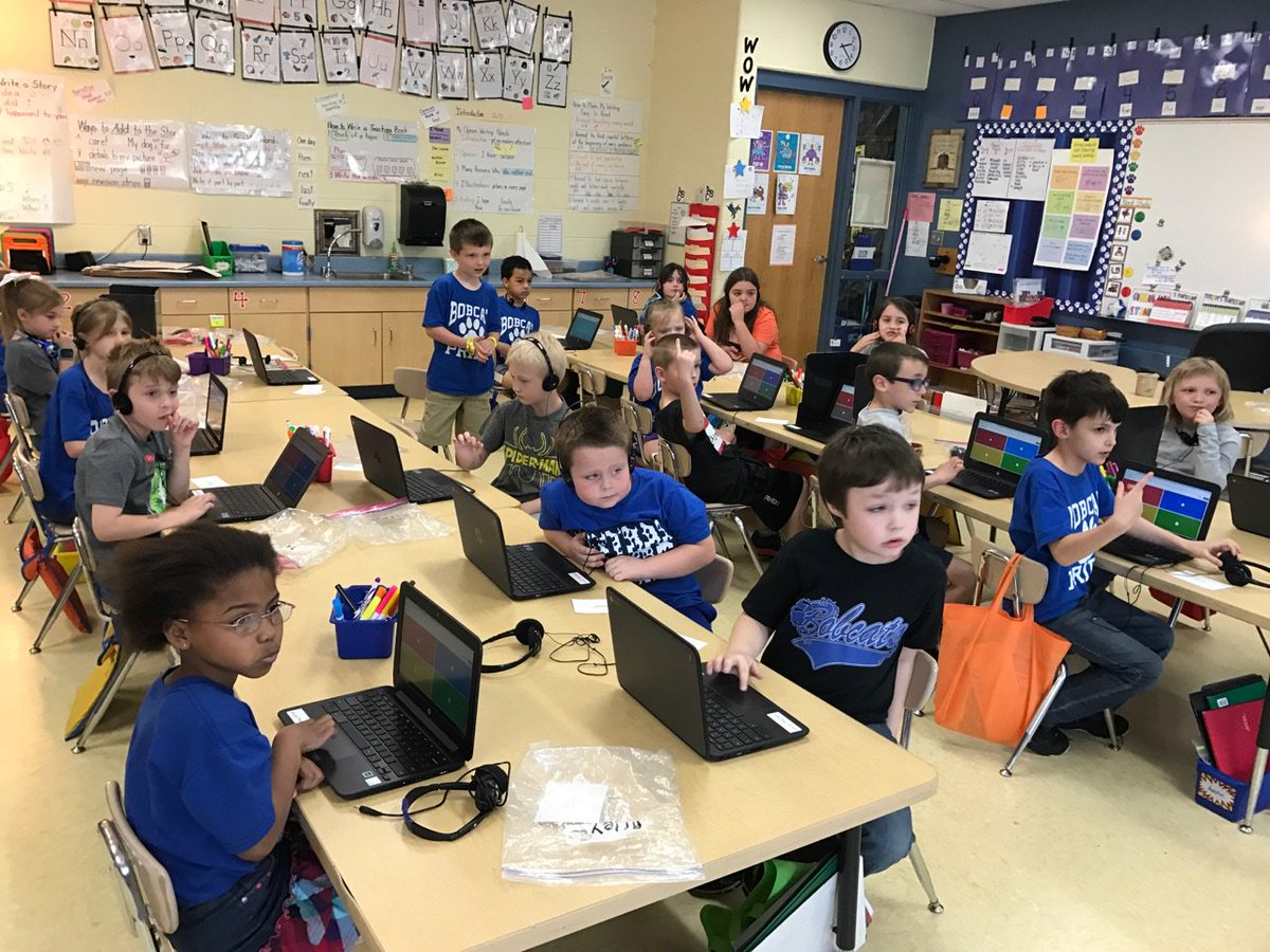 Leslie Leppla On Twitter First Grade Using Chrome Books And Kahoot