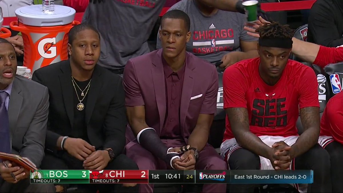 Rondo rocked a short-sleeve suit on the sideline, via @CBSSportsNBA.