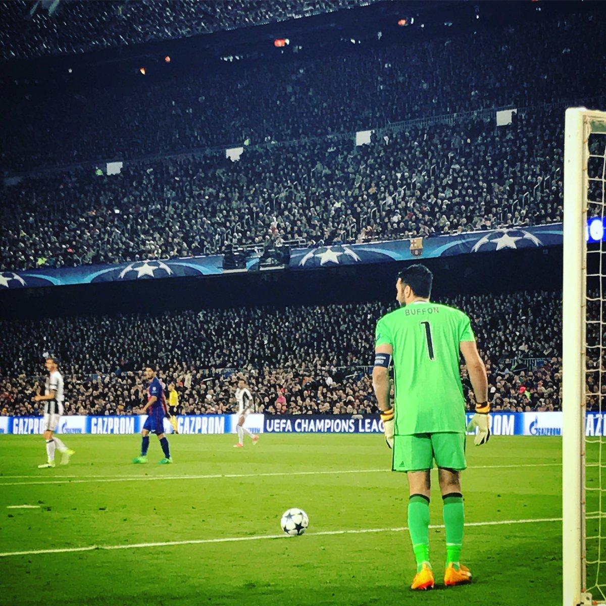 Si @gianluigibuffon gagne la @ChampionsLeague avec la @juventusfc cette saison, je persiste et signe #Buffon #ballondor  Non ?!pic.twitter.com/g0T2AdCoMo