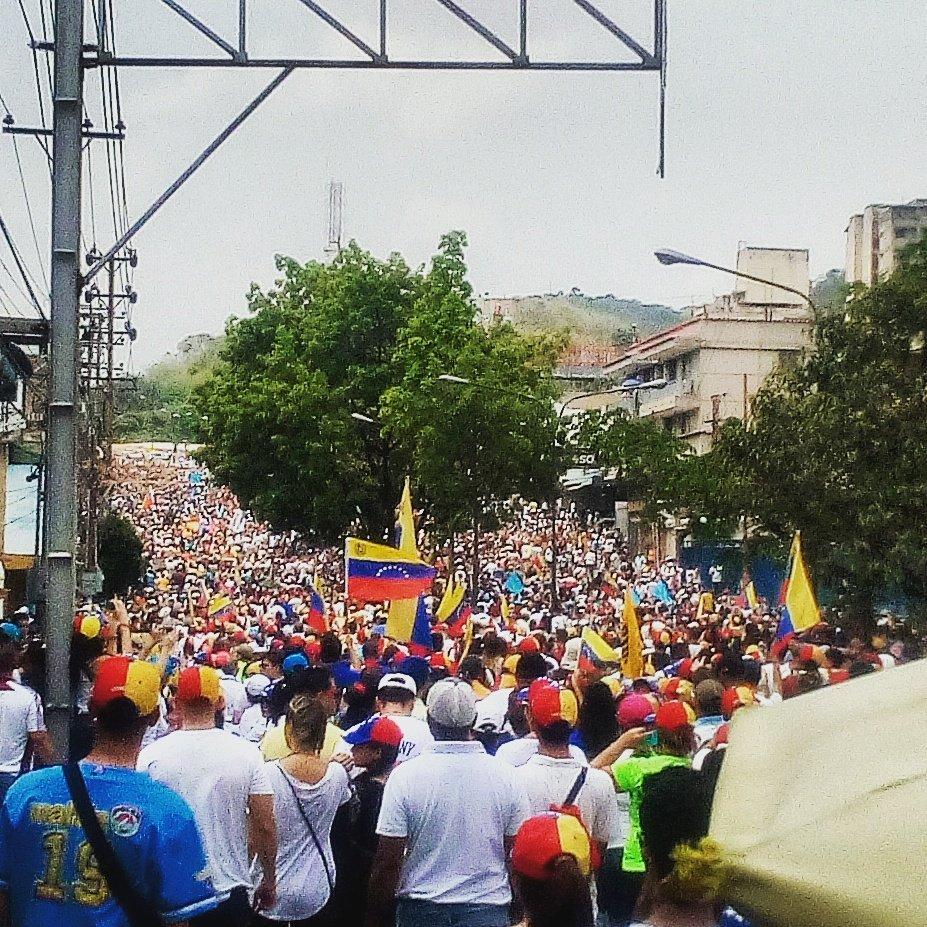 #Venezuela #Valencia #19A #SinMiedo https://t.co/qfXU0Uuh2H