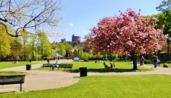 Calling all foodies! #AlexandraGardens - the gorgeous home of the brand new #WindsorFoodFestival coming to #Windsor on August #BankHoliday!<br>http://pic.twitter.com/3A1h9Xw5Q9