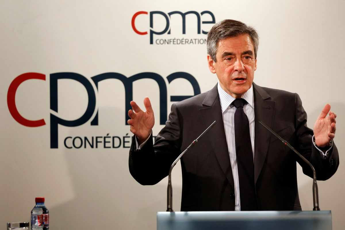 Crimea historically, culturally and linguistically is a Russian territory - Francois Fillon