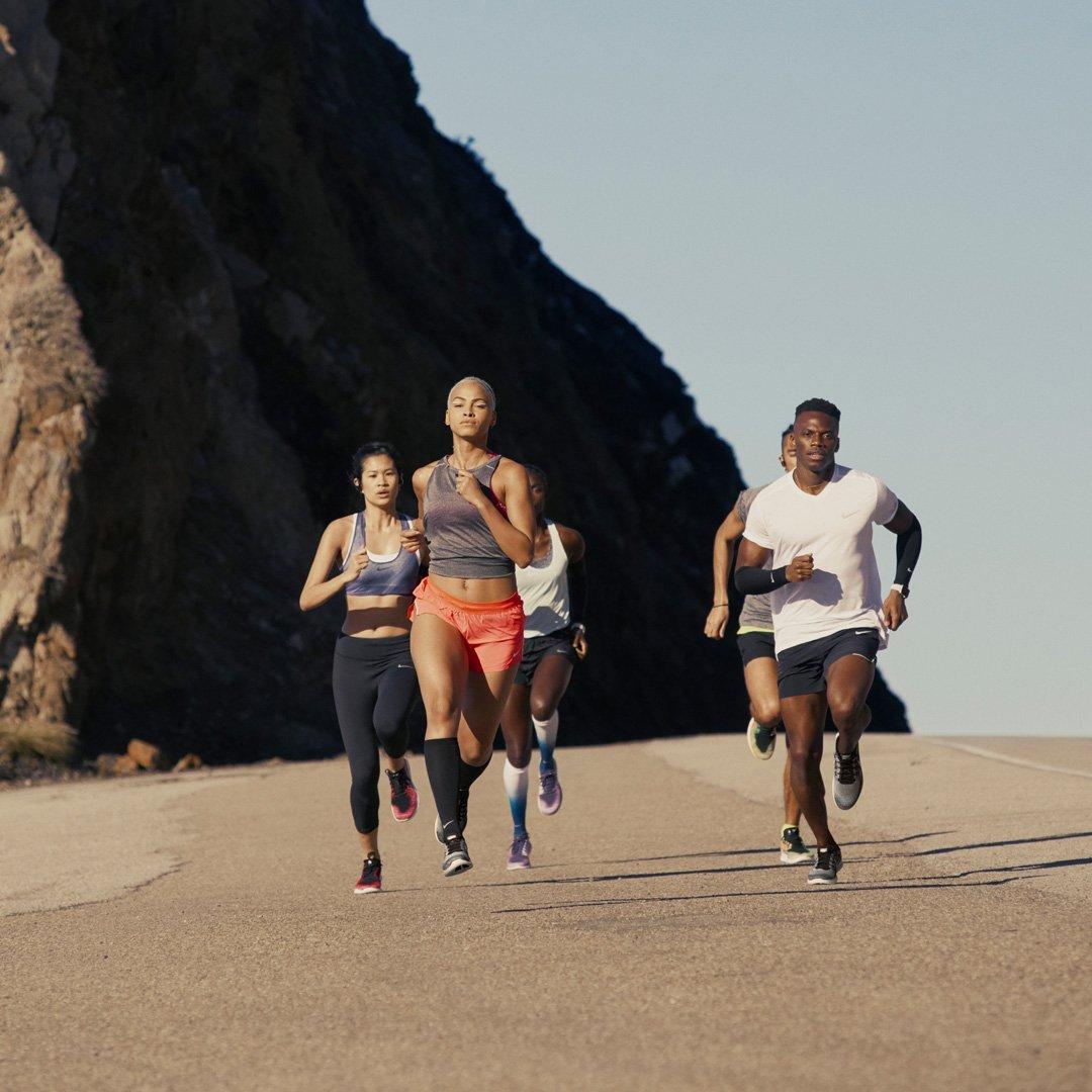 Fit in den Sommer mit den neuen Nike Free RN! 😎   #nike #nikefree #nikefreerun #fitness #workout https://t.co/TAXCiJqETs