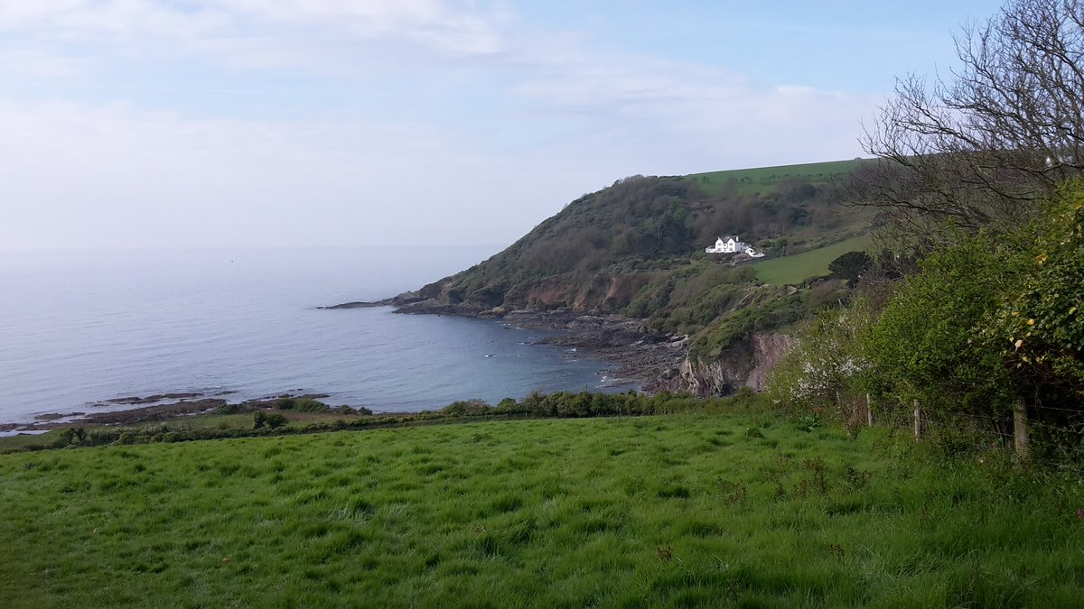 Another lovely morning down at Talland Bay #ilovelooe #cornwall