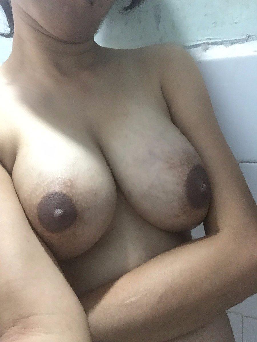 Nude Selfie 11084