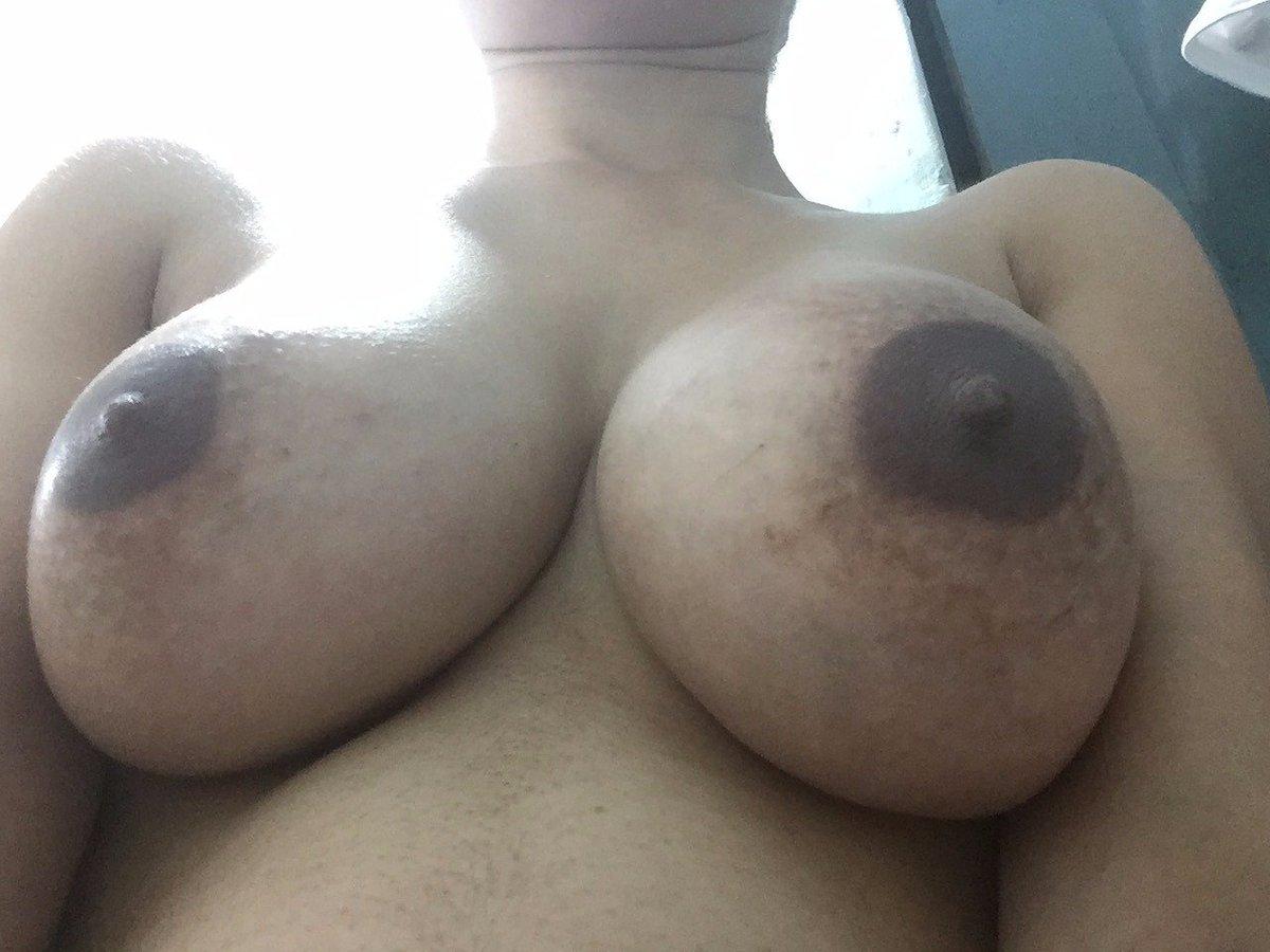 Nude Selfie 11085