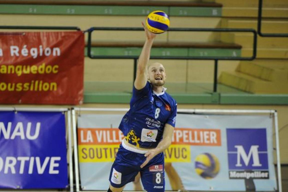 #CEVCupM winners @ToursVolleyBall sign with best blocker of @LNVofficiel and extend with coach and receiver  https:// goo.gl/LCjRFk  &nbsp;   #WoV<br>http://pic.twitter.com/8MW4Iei0DS
