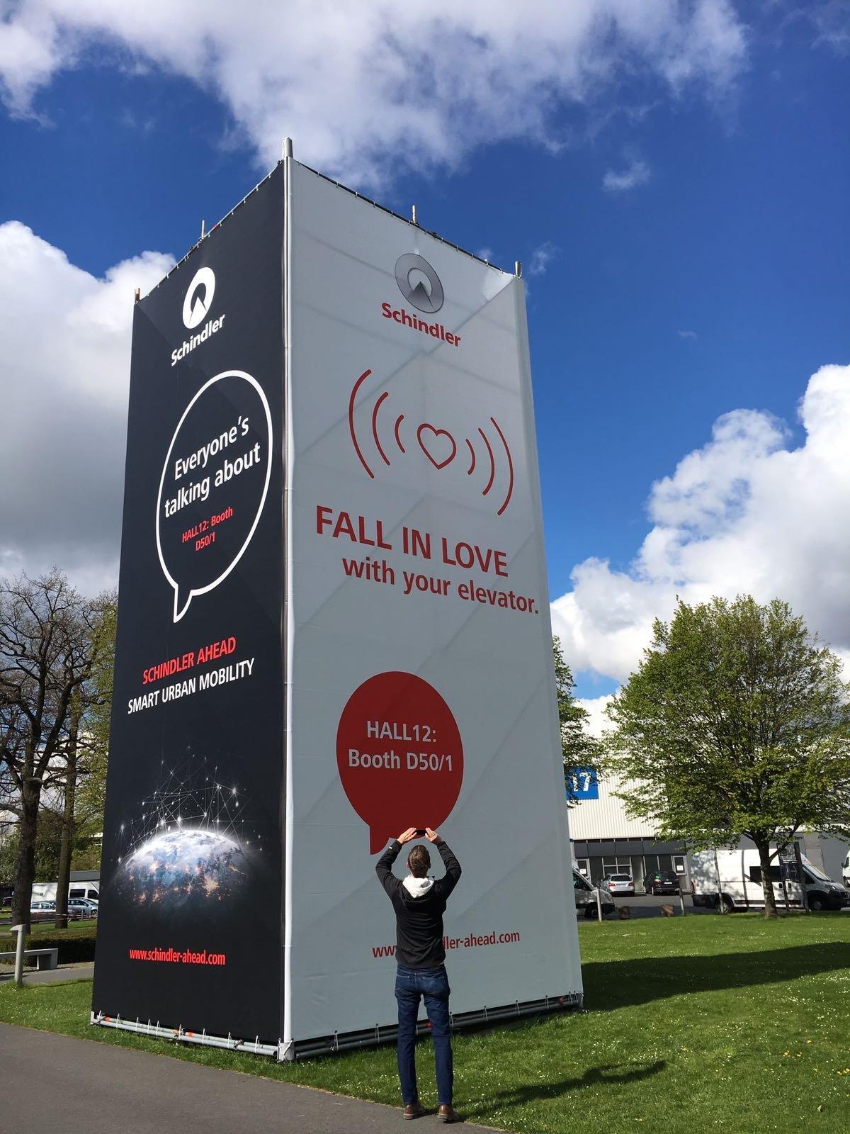 Hallo @hannover_messe, wir kommen! Unser Turm steht schon. Seid dabei unter https://t.co/Dj45f4QRyA #HM17 #IoT #Mobility https://t.co/QC3e4FYaSO