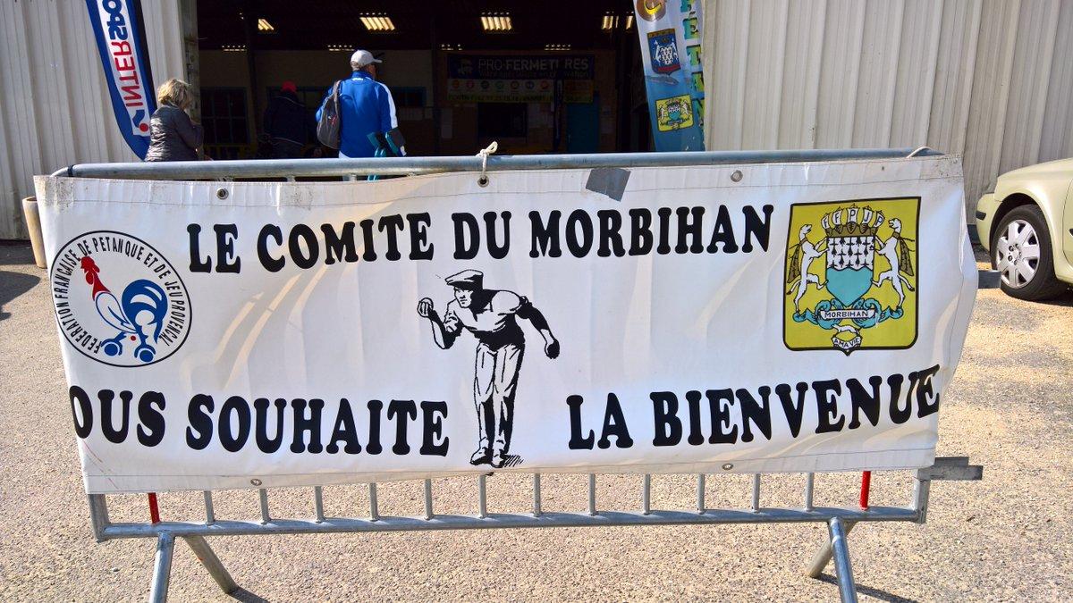 #coupedumorbihan #pétanque #pontivy  #veteran #boulodrome #sport @JARNIGONM @JestinHerve @soizicperrault  bel evement #soleil <br>http://pic.twitter.com/gGxdV2aMWA