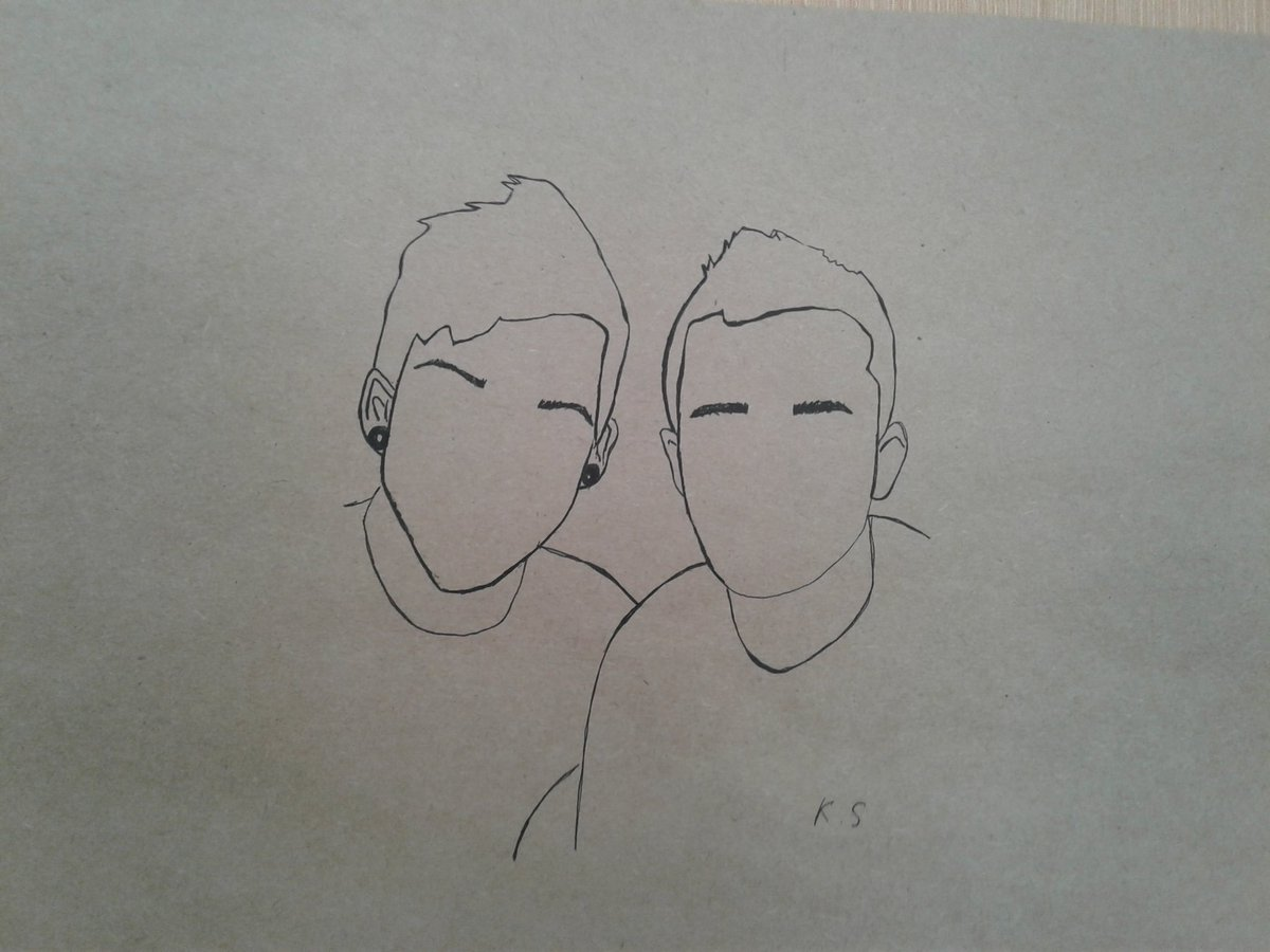 @tylerrjoseph @joshuadun  where is urs faces? #cliqueart #clique #skeletonclique #twentyonepilots<br>http://pic.twitter.com/bNTBeQ4aw0