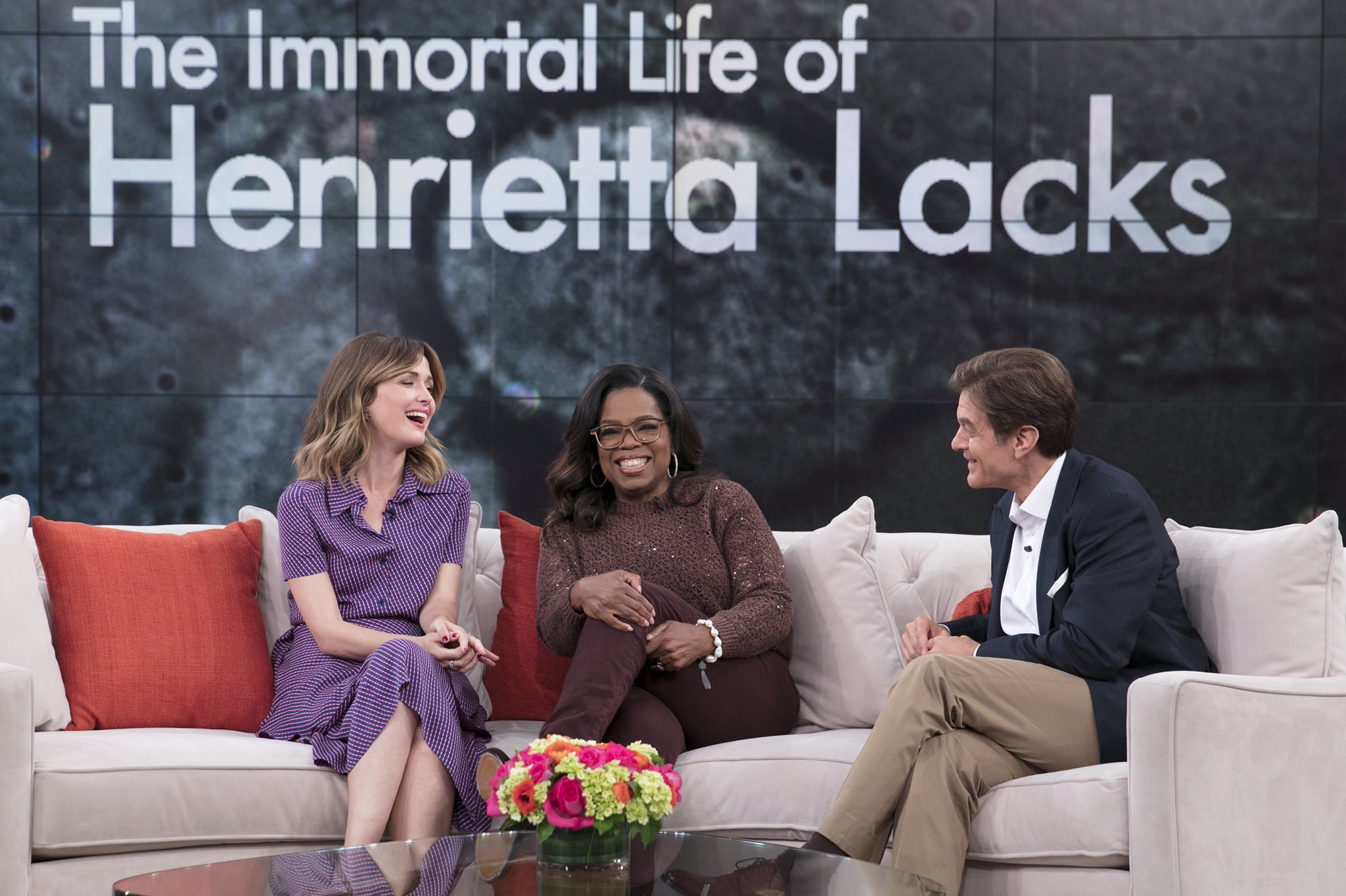 Talkin with @DrOz today about my current favorite subject.. #HenriettaLacks on @HBO this Saturday. https://t.co/ssnGE2i5Im