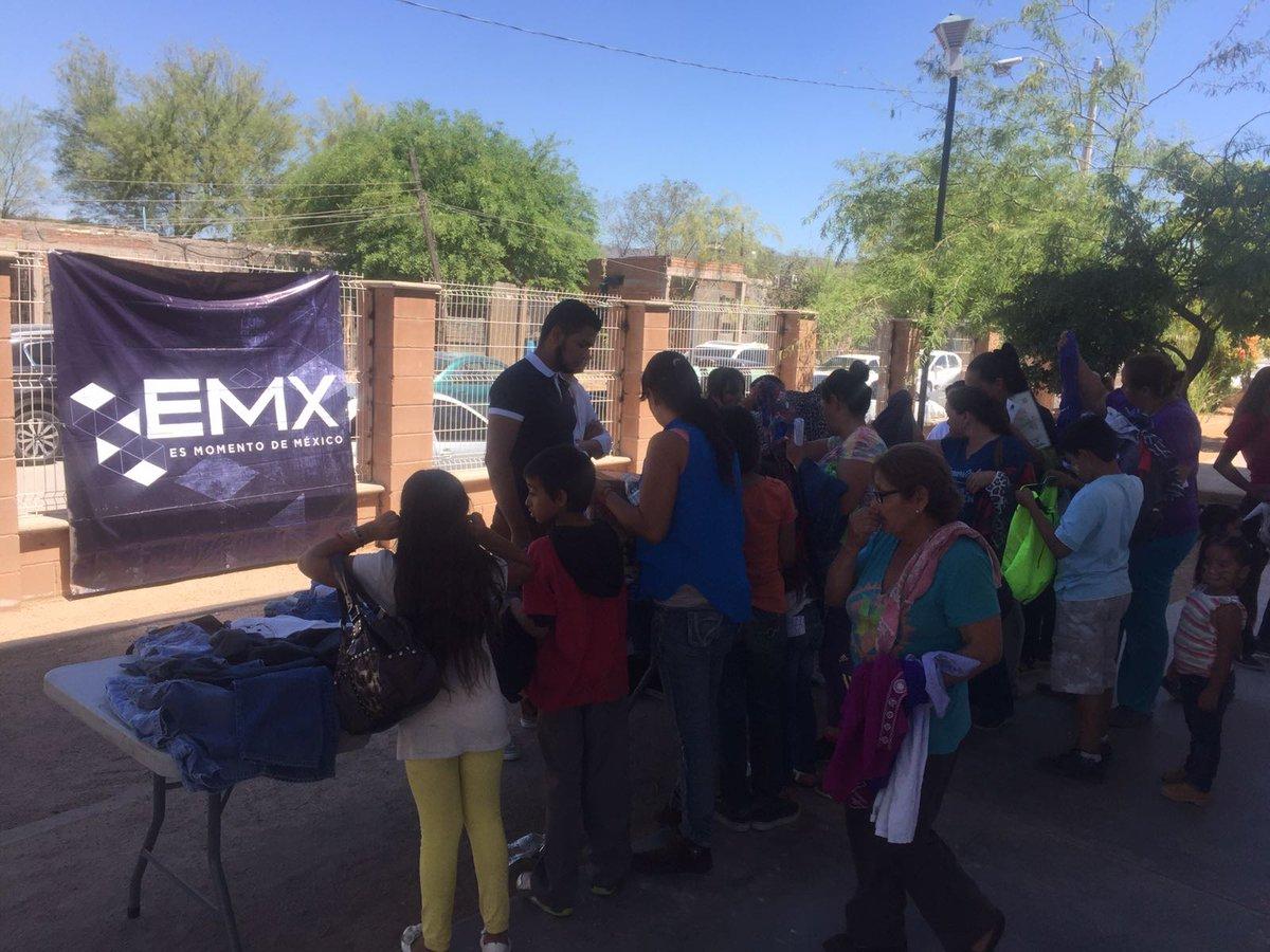 Colocamos esta mañana un bazar de ropa a beneficio de los vecinos de la colonia Solidaridad #EsMomentodeMexico