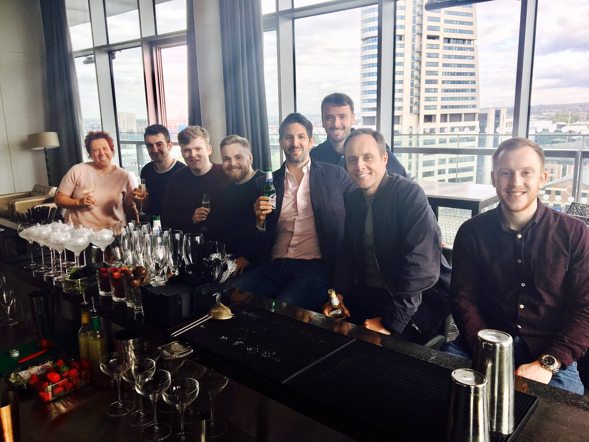 RT @BowBaskets: Amazing cocktail master class! @doubletreeleeds thank you @SkyLoungeLeeds @RejuvenatePro https://t.co/B3dMnfSdCN