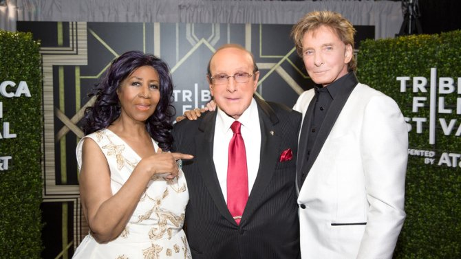 .@ArethaFranklin, @BarryManilow celebrate @CliveDavis at Radio City co...