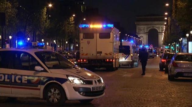 Terrorism at Champs Elysees Paris - 1 cop dead