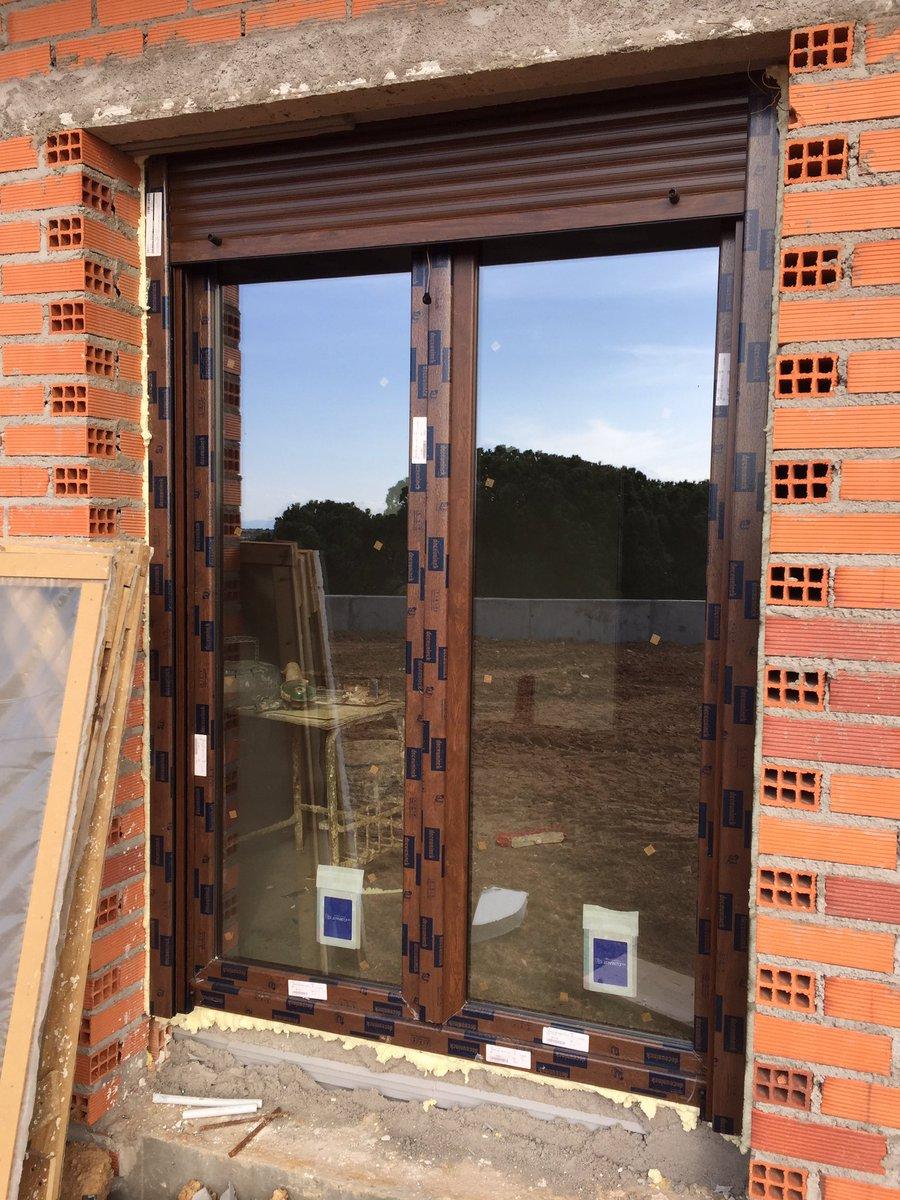 ventanas de pvc nogal deceuninck zendow mm con instalacin a premarco con cristal planithem s mm