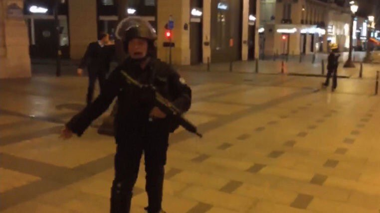 police source says shots have been fired at a new location near #Champs-Elysees in #Paris #France<br>http://pic.twitter.com/cHmMI7t9Cc