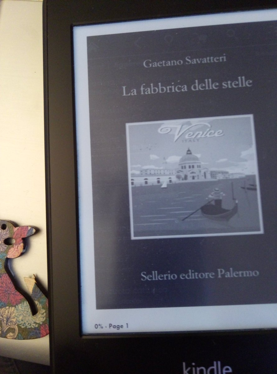 #Lafabbricadellestelle  #GaetanoSavatteri  .When #thecatandtheyarn in not #crocheting. #Reading #books  #ebooks  #Kindle #livres #lire <br>http://pic.twitter.com/Z0SmDd5fns