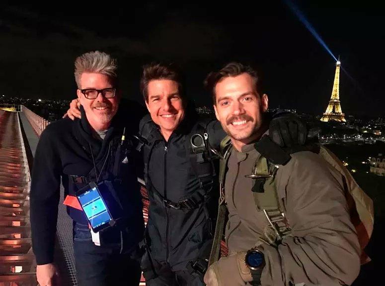 #misionimposible6  Rodaje en Paris, Primera imagen de Tom Cruise y Henry Cavill en el rodaje de esta nueva entrega.