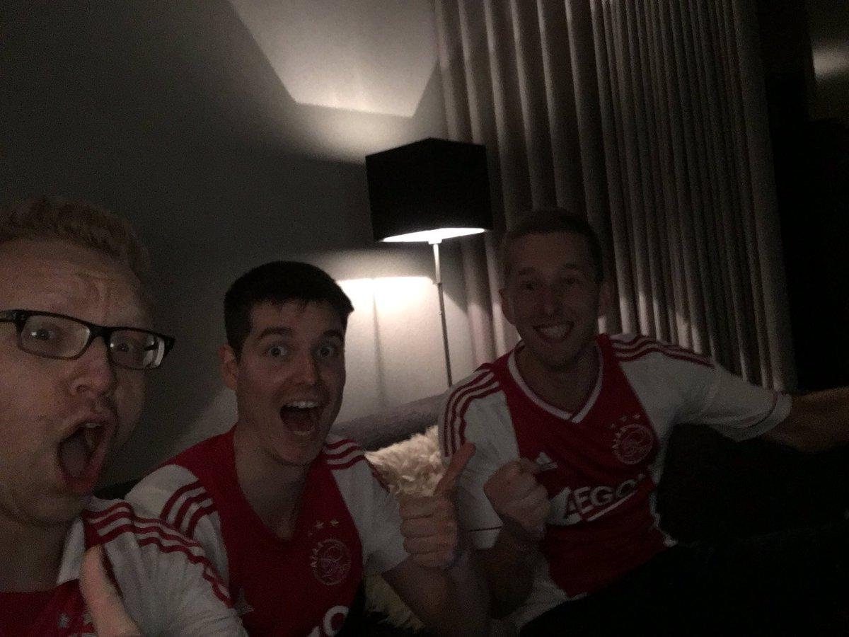 @AFCAjax @Ajax1nl #wzawzdb on to the next round #winning #s04aja #semifinal !!!!!<br>http://pic.twitter.com/6pkz4ipVY0