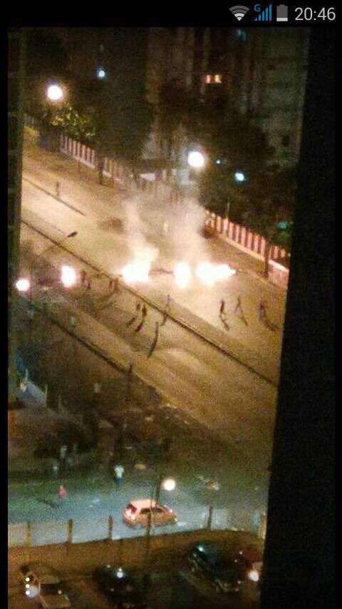 District of El Valle at this time. Heavy fighting between National Guard and protesters | many detonations