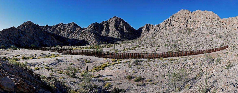 Advocates criticize Latino vendors for bids on 'shameful' border wall https://t.co/nT2oQ2dhVw