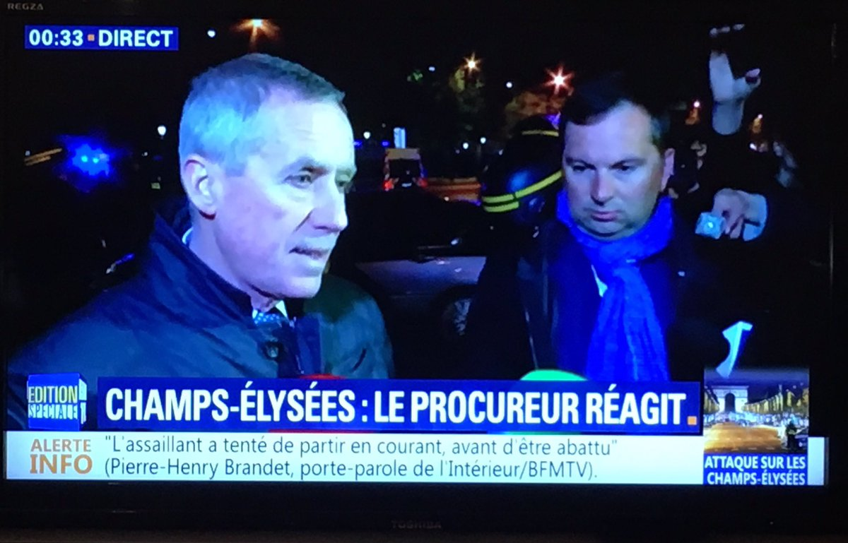#Molins super star  #ChampsElysees #Attentat #Molins2017<br>http://pic.twitter.com/LyPNC6hYgE