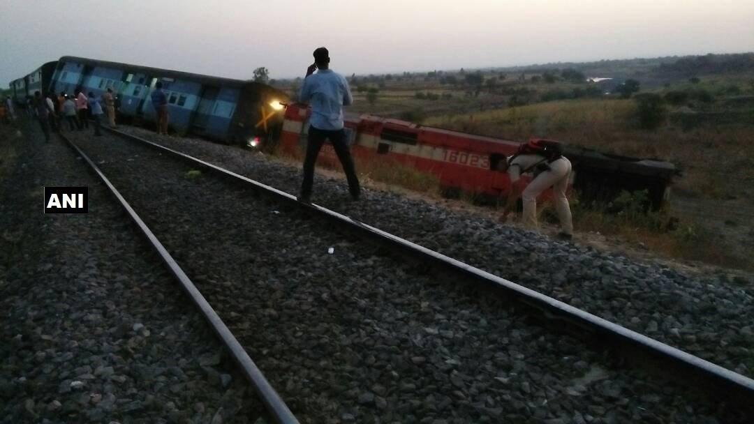Aurangabad-Hyderabad passenger train derailed between Khalgapur and Bhalki stations in Karnataka. No injuries or casualties reported