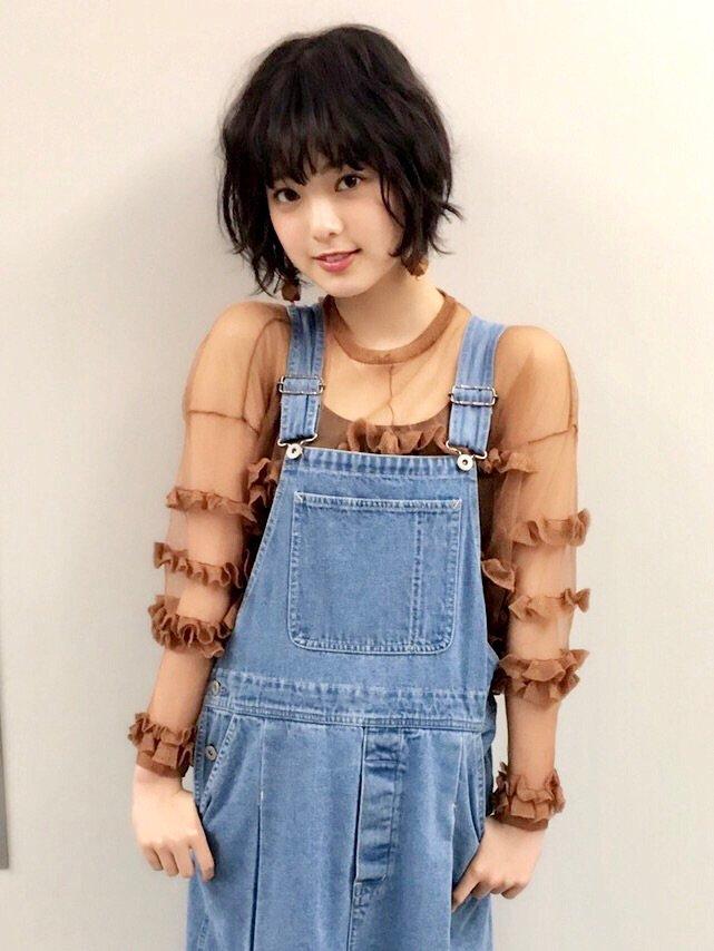 発売中の「mina」6月号に平手友梨奈の撮り下ろし写真が掲載されています✨ ぜひチェックしてみてください  #欅坂46 #mina