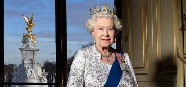 Happy 91st Birthday to our Sovereign HM Queen Elizabeth II #queensbirthday @HONOUROURFORCES Pls RT<br>http://pic.twitter.com/qxHKRaiuJC