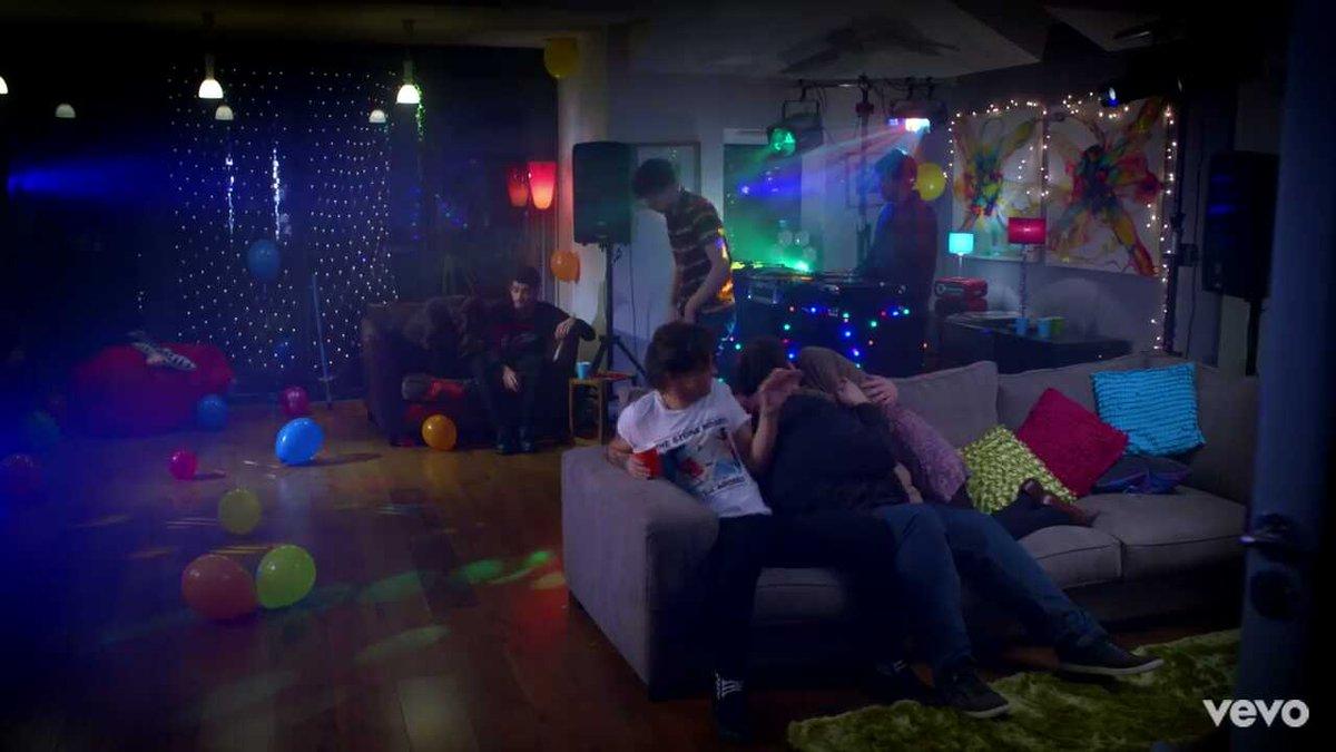 Las fiestas a las que me invitan // Las fiestas de zayn #STILLGOTTIMEV...